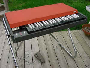 Hammond C3 organ ( notice the cabinet shape difference from the B3 ) & Jeffs Vintage Keyboards Page